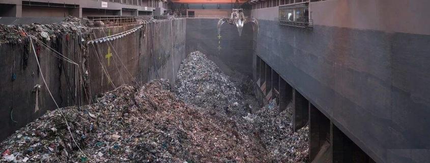 garbage crane